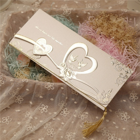 BMbridal Gorgeous Tri-Fold Heart Style Invitation Cards (Set of 50)_3