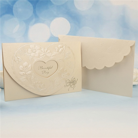 BMbridal Popular Tri-Fold Hollow Heart Style Invitation Cards (Set of 50)_3