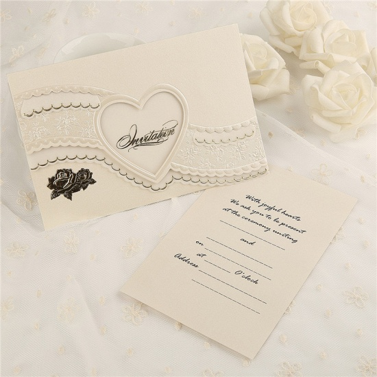 BMbridal Modern Tri-Fold Heart Hollow Style Invitation Cards (Set of 50)_2