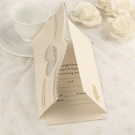 BMbridal Modern Tri-Fold Heart Hollow Style Invitation Cards (Set of 50)_3
