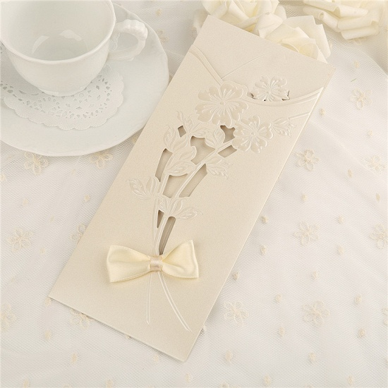 Classic Side-Fold Hollow Bowknot Imprint Invitation Cards (Set of 50)_2