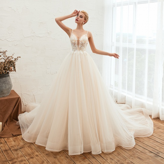 Elegant Spaghetti-Starps Tulle Wedding Dress With Appliques_4