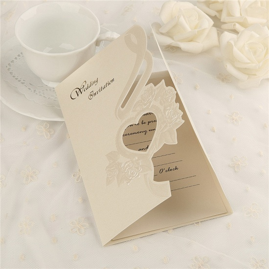 Classic Tri-Fold Heart Hollow Style Invitation Cards (Set of 50)_3