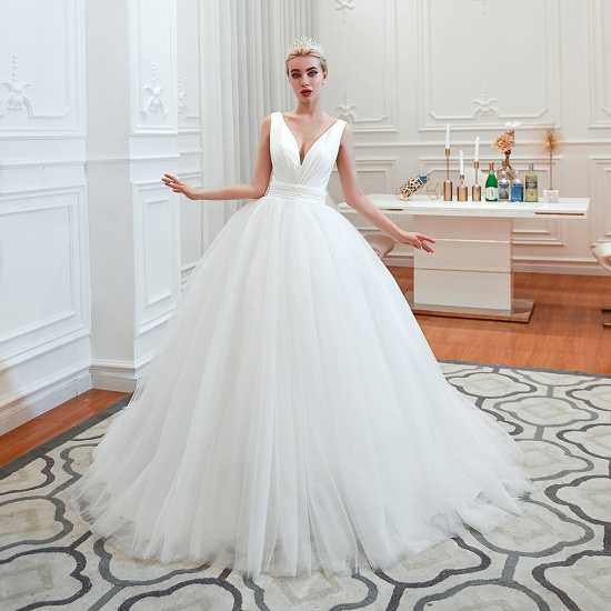 Elegant V-Neck Sleeveless Tulle Wedding Dresses Online_5