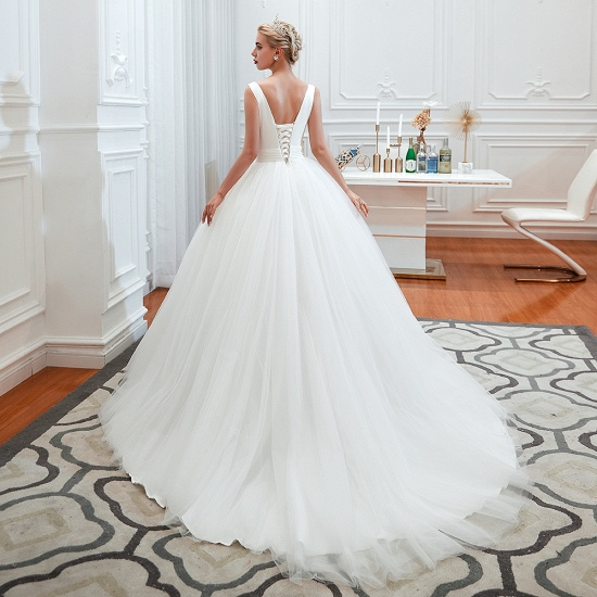 Elegant V-Neck Sleeveless Tulle Wedding Dresses Online_8