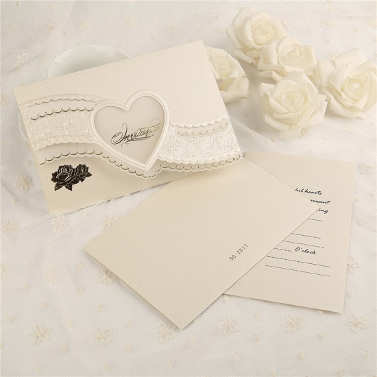 BMbridal Modern Tri-Fold Heart Hollow Style Invitation Cards (Set of 50)_4