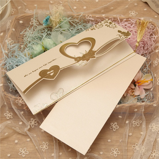 Gorgeous Tri-Fold Heart Style Invitation Cards (Set of 50)