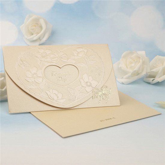Popular Tri-Fold Hollow Heart Style Invitation Cards (Set of 50)