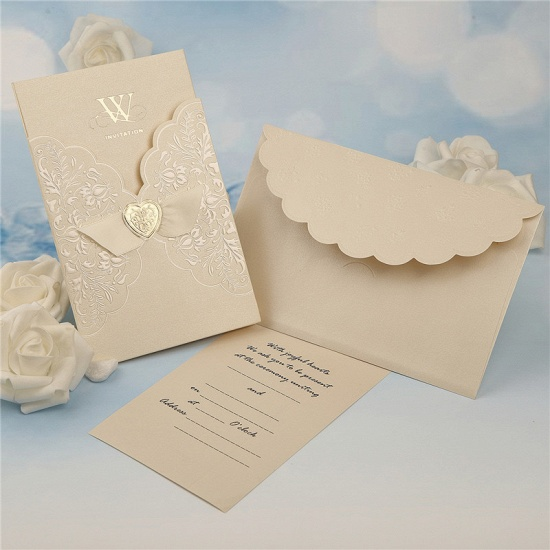 BMbridal Classic Tri-Fold Imprint Heart Style Invitation Cards (Set of 50)_2