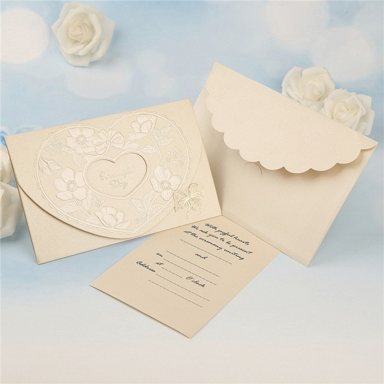 BMbridal Popular Tri-Fold Hollow Heart Style Invitation Cards (Set of 50)_4