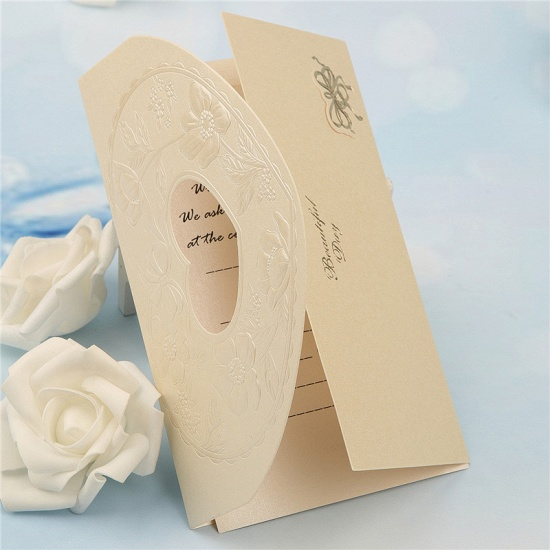 BMbridal Popular Tri-Fold Hollow Heart Style Invitation Cards (Set of 50)_7