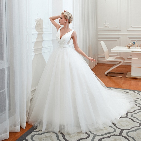 Elegant V-Neck Sleeveless Tulle Wedding Dresses Online_4