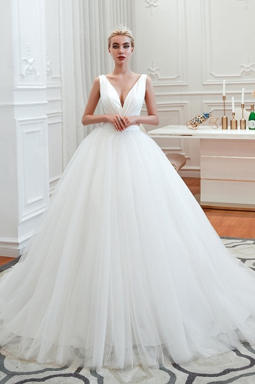 Elegant V-Neck Sleeveless Tulle Wedding Dresses Online_1