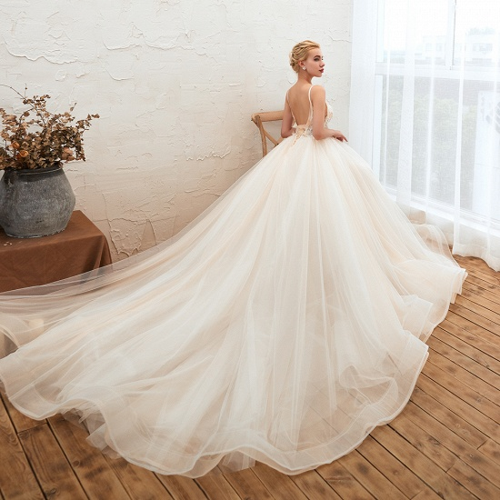 Elegant Spaghetti-Starps Tulle Wedding Dress With Appliques_9