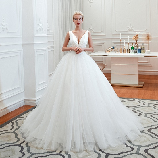 Elegant V-Neck Sleeveless Tulle Wedding Dresses Online_3