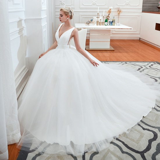 Elegant V-Neck Sleeveless Tulle Wedding Dresses Online_7