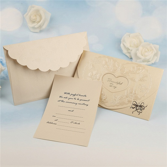BMbridal Popular Tri-Fold Hollow Heart Style Invitation Cards (Set of 50)_6