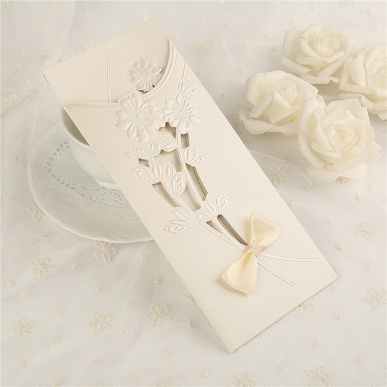 Classic Side-Fold Hollow Bowknot Imprint Invitation Cards (Set of 50)_1