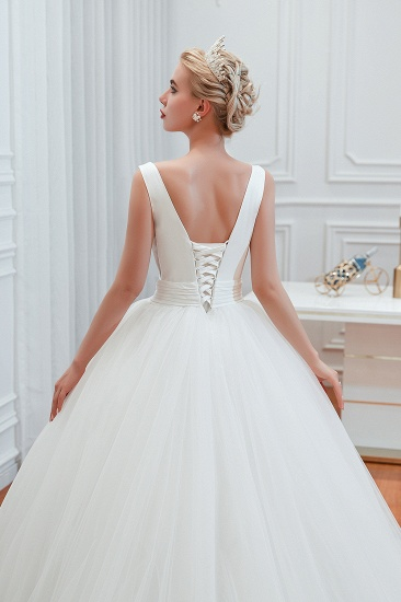 Elegant V-Neck Sleeveless Tulle Wedding Dresses Online_12