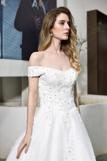 Gorgeous Lace Off-the-Shoulder Long Wedding Dress with Beadings_4