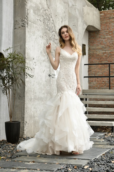 Gorgeous Mermaid Tulle Appliques Ivory Wedding Dress