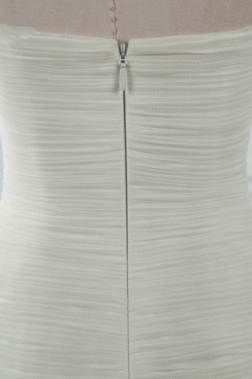 Chic Strapless Sweetheart Ivory Wedding Dresses Ruffles Tulle Sleeveless Bridal Gowns with Feather_6