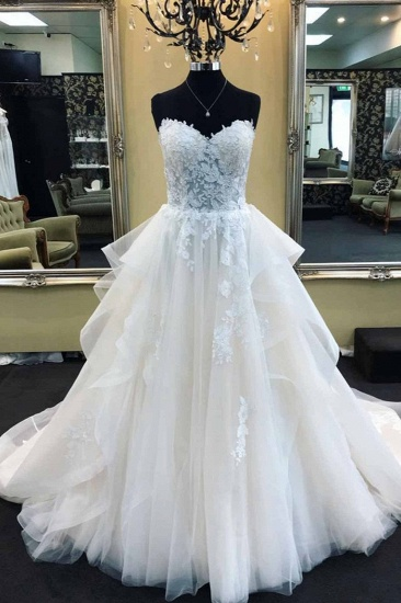 Elegant Sweetheart Long Wedding Dress With Lace Appliques Online_1