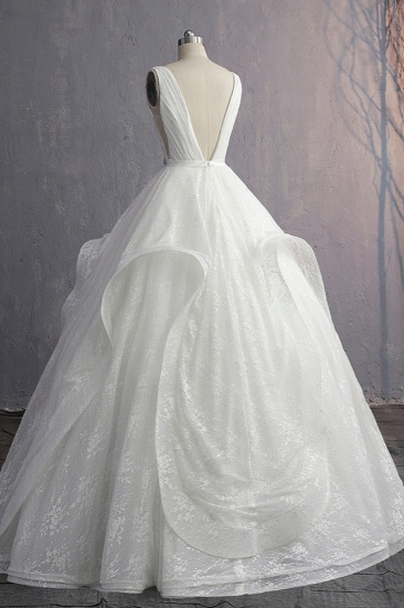 Unique V-Neck Ruffles Lace White Wedding Dress Appliques Sleeveless Bridal Gowns with Beadings On Sale_4
