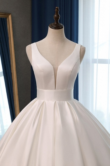 Sexy Deep-V-Neck Straps Satin Wedding Dress Ball Gown Ruffles Sleeveless Bridal Gowns Online_5