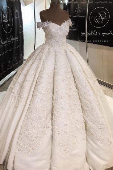 Chic Off-the-shoulder A-line White Wedding Dresses Satin Ruffles Lace Bridal Gowns With Appliques Online_2