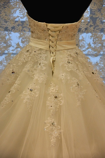 BMbridal Glamorous Strapless Sleevelsss Tulle Wedding Dress Sweetheart Appliques Bridal Gowns with Rhinestones On Sale_3