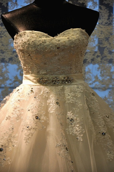 BMbridal Glamorous Strapless Sleevelsss Tulle Wedding Dress Sweetheart Appliques Bridal Gowns with Rhinestones On Sale_6
