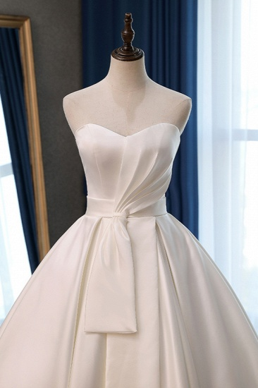 Elegant Sweetheart White Satin Wedding Dress A-line Ruffles Bridal Gowns On Sale_4