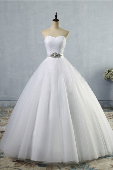 Chic Strapless Sweetheart White Tulle Wedding Dress Sleeveless Beadings Bridal Gowns with Sash