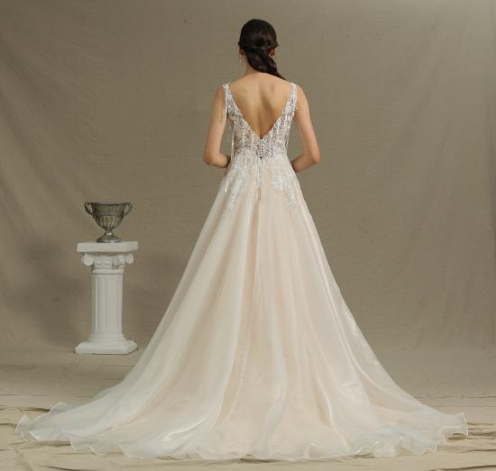 BMbridal Chic V-neck Lace Wedding Dress Sleeveless Online_3