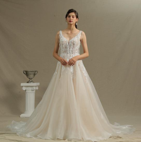 BMbridal Chic V-neck Lace Wedding Dress Sleeveless Online_2