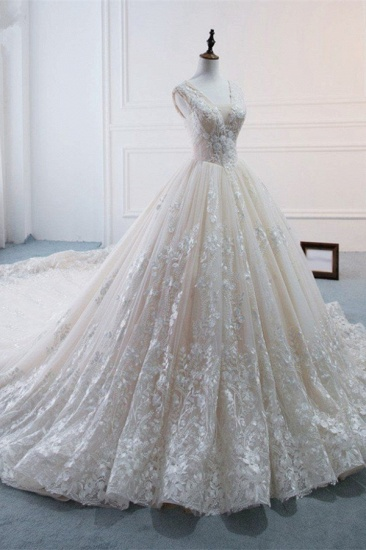 Glamorous Tulle Lace Appliques Wedding Dress V-Neck Pearls Sleeveless Bridal Gowns with Rhinestones On Sale_4