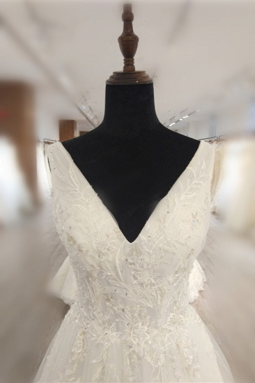 BMbridal Glamorous White Tulle Lace Wedding Dress V-Neck Sleeveless Appliques Bridal Gowns On Sale_4
