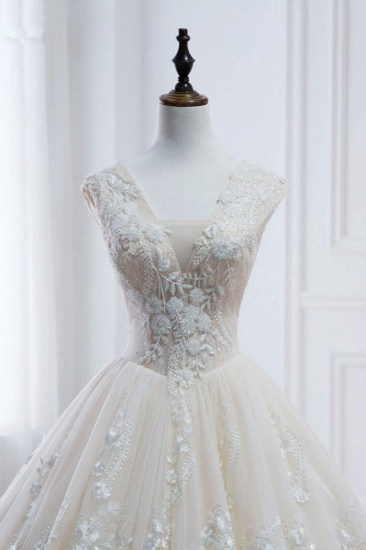 Glamorous Tulle Lace Appliques Wedding Dress V-Neck Pearls Sleeveless Bridal Gowns with Rhinestones On Sale_5