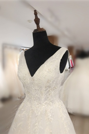 BMbridal Glamorous White Tulle Lace Wedding Dress V-Neck Sleeveless Appliques Bridal Gowns On Sale_5