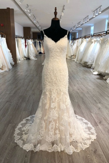 Elegant Spaghetti Straps Mermaid Wedding Dress Tulle Lace Appliques V-Neck Bridal Gowns Online