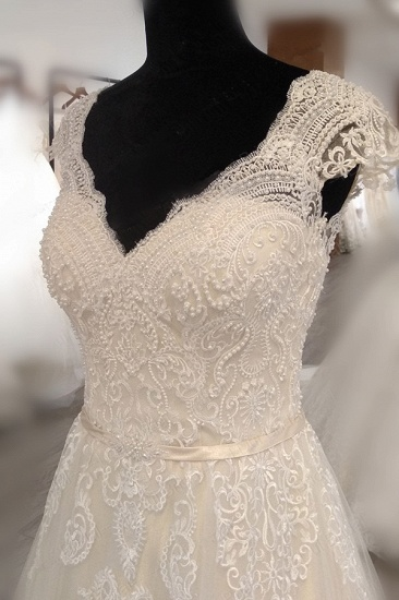 BMbridal Gorgeous V-Neck Cap Sleeves Tulle Wedding Dress Lace Appliques Ruffle Bridal Gowns Online_5