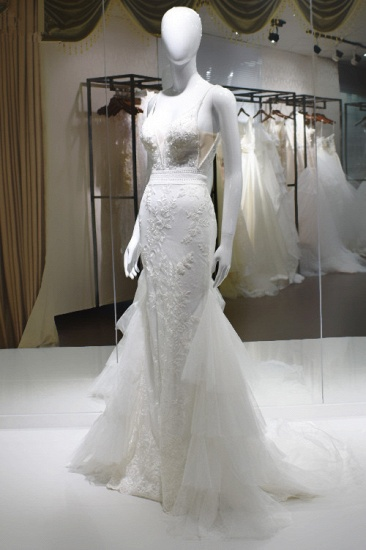 Sexy Spaghetti-Straps Tulle Wedding Dress V-Neck Sleeveless Appliques Beading Bridal Gowns On Sale_4