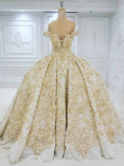 BMbridal Affordable Off-the-shoulder Chamgne Lace Wedding Dresses With Appliques A-line Ruffles Ball Gowns On Sale_1