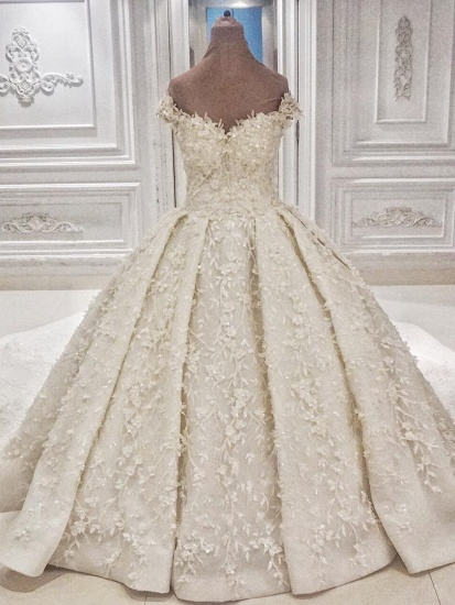 Chic Off-the-shoulder A-line White Wedding Dresses Satin Ruffles Lace Bridal Gowns With Appliques Online_1