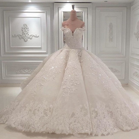 Glamoeous A-line White Lace Wedding Dresses With Appliques Off-the-shoulder Ruffles Bridal Gowns Online_3