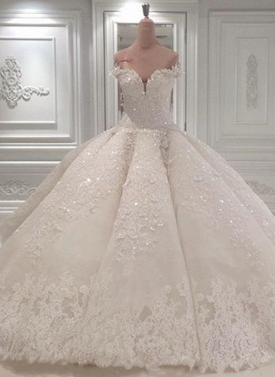 Glamoeous A-line White Lace Wedding Dresses With Appliques Off-the-shoulder Ruffles Bridal Gowns Online_1