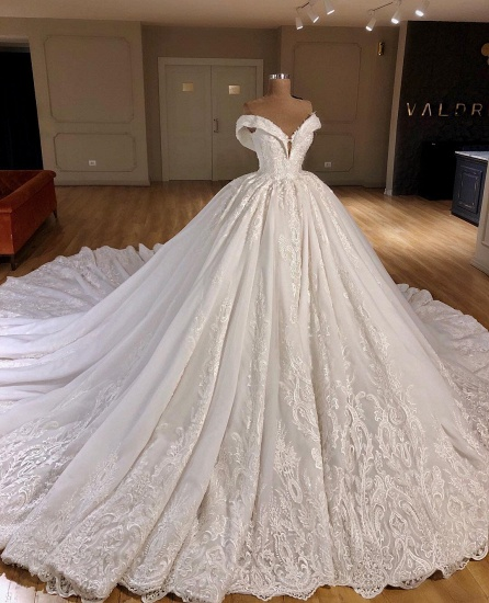Gorgeous Off-the-shoulder V-neck Lace Wedding Dresses A-line White Ruffles Bridal Gowns With Appliques On Sale_3