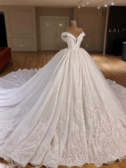 Gorgeous Off-the-shoulder V-neck Lace Wedding Dresses A-line White Ruffles Bridal Gowns With Appliques On Sale_1